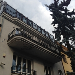 b289-balustrada-i-portfenetry-metalowe