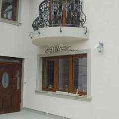 balustrada-zewnetrzna-kuta-b311