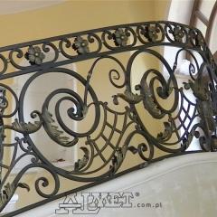 balustrady-schodowa-wewnetrzna-metalowa-kuta-na-wandze-b141
