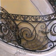 balustrady-schodowa-wewnetrzna-metalowa-kuta-na-wandze-b141x