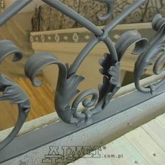 balustrady-schodowa-wewnetrzna-metalowa-kuta-w-stylu-gotyckim-b160g
